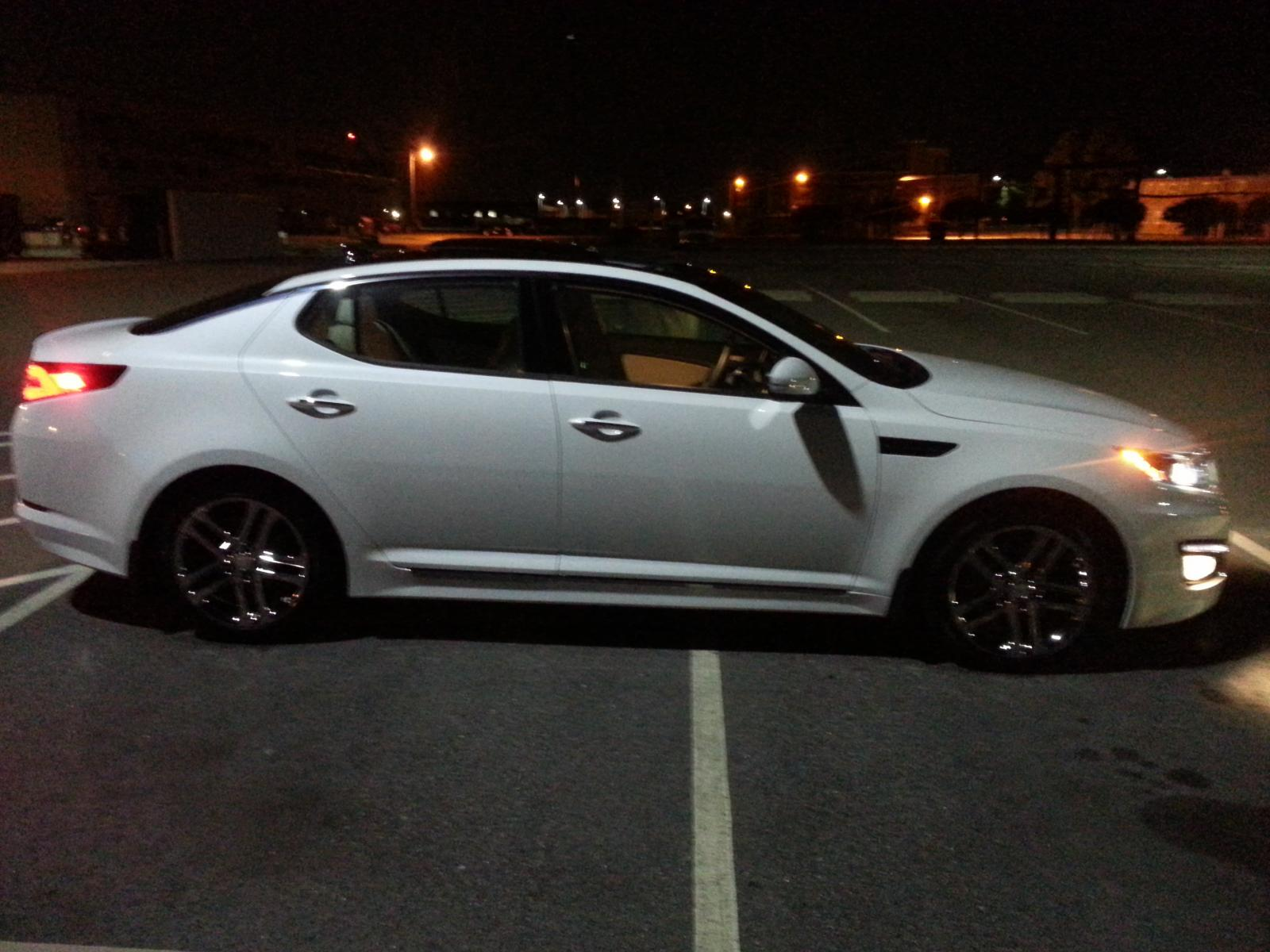 NEWEST MEMBER TO THE KIA FAMILY! 2013 KIA OPTIMA SXL!!!! SWEEEEET RIIIIDE.... lol-20130804_214731.jpg
